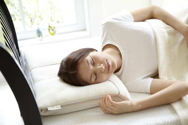 枕と安眠の関係